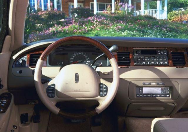 2001 Lincoln Town Car Cartier In Augusta Ga Gerald Jones Ford